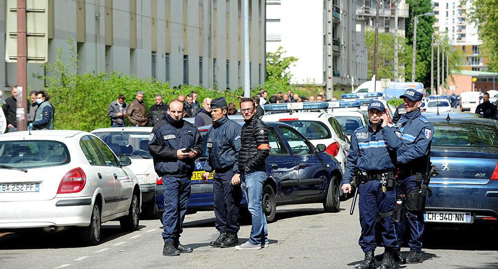 Schie erei in s dfrankreich zwei tote das kind der gesellschaft for Police grenoble