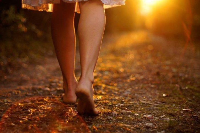 2c921af8e165c8 Barfuß laufen ist gesund - Schuhe aus und los! -- Gesundheit ...