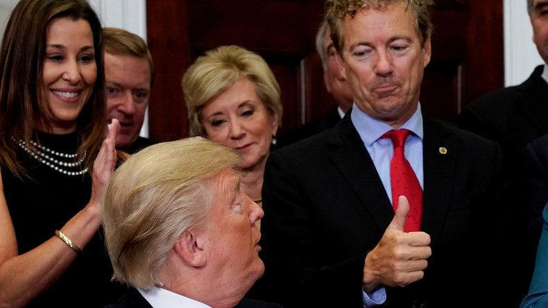 Besuch in Moskau: Rand Paul überreicht Putin Brief von Trump -- Sott.net