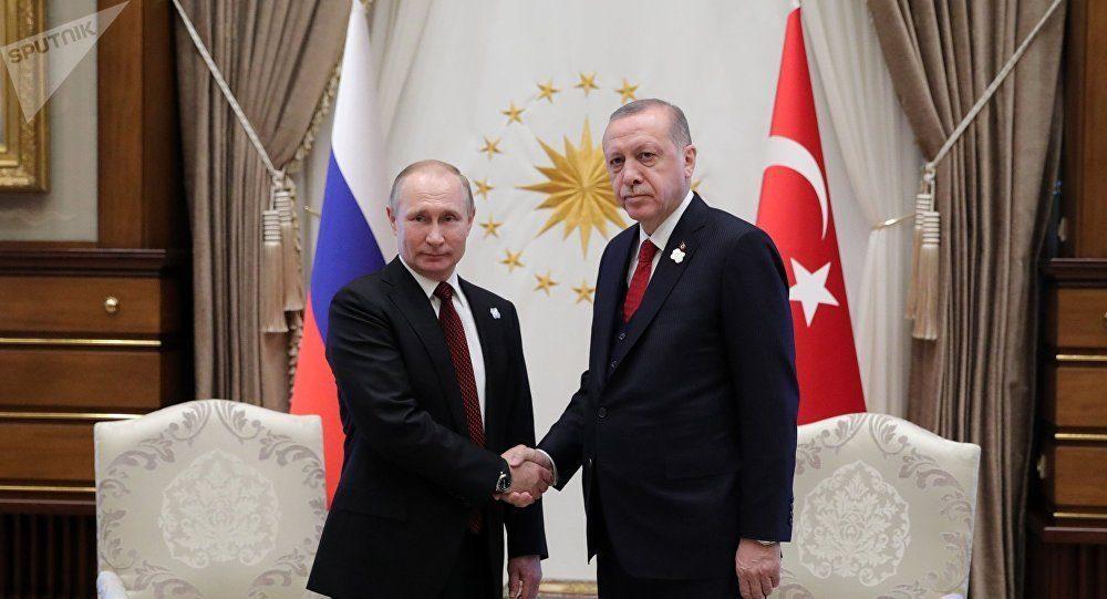 Türkei: Lira im Absturz, Trump hebt Zölle drastisch an, Erdoğan ruft Bürger zum Verkauf von US-Dollar auf und telefoniert mit Putin -- Sott.net