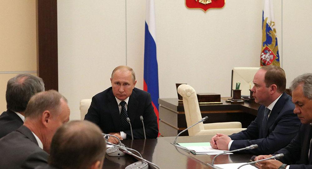 """Medwedew warnt USA: Neue Sanktionen gegen Bankgeschäfte wären Erklärung eines Wirtschaftskrieges - """"US-Vorgehen widerspricht Völkerrecht"""" -- Sott.net"""